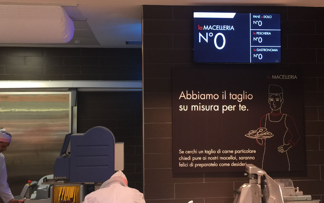Nicolis Project | in-store digital communication Digital-Signage Le etichette elettroniche interattive all'ipermercato Bennet nel centro commerciale Mondojuve