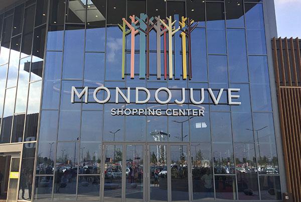 Nicolis Project etichette-elettroniche-Mondojuve3 Las etiquetas electrónicas interactivas en el hipermercado Bennet del centro comercial Mondojuve