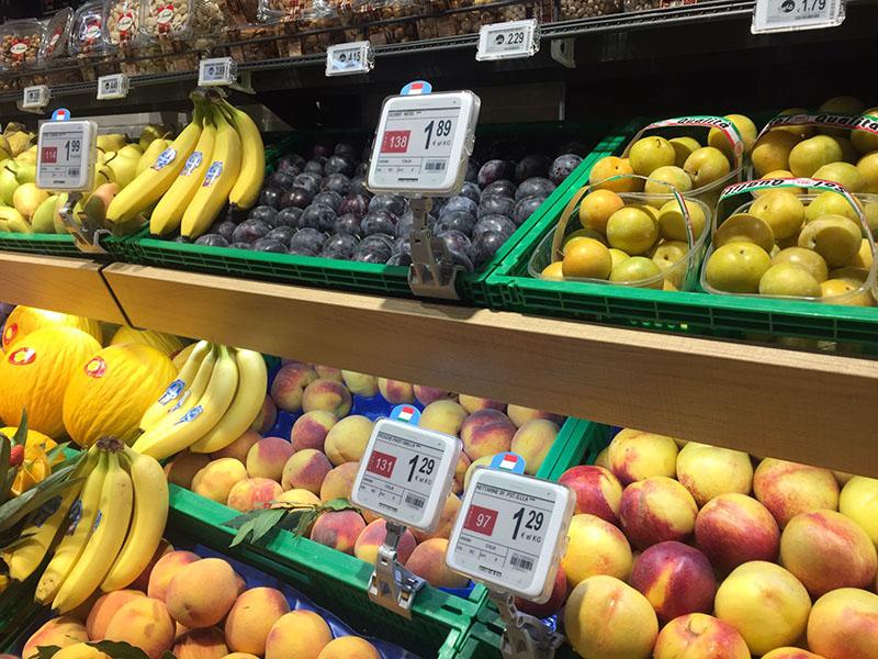 Nicolis Project Etichette-elettroniche-ortofrutta-supermercato-nicolisproject La etiqueta electrónica en la sección frutas y verduras. Todas las ventajas de funcionamiento y las nuevas posibilidades de comunicación