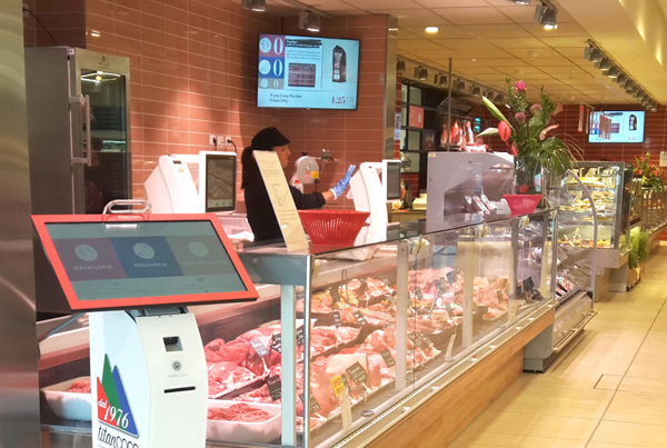 Nicolis Project | in-store digital communication digital-signage-supermercato Il supermercato Titancoop di Valdragone dà una marcia in più allo shopping con il digital signage