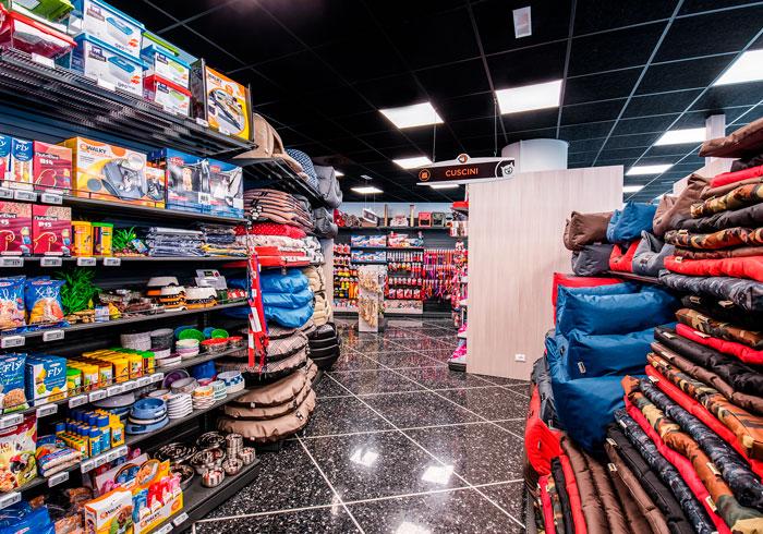 Nicolis Project | in-store digital communication etichette-elettroniche-petshop-3 Il nuovo negozio per animali Giulius Demas installa le etichette elettroniche proposte da Nicolis Project