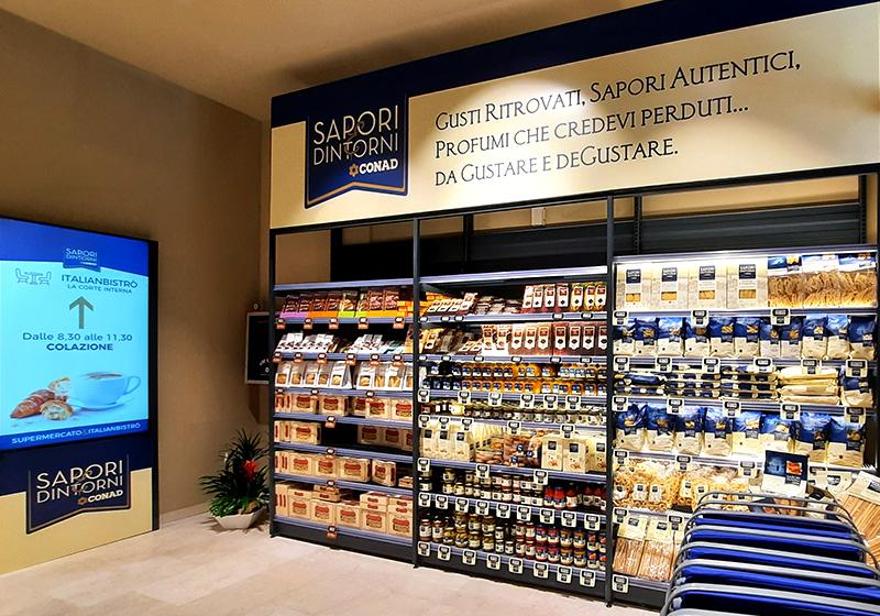 Nicolis Project | in-store digital communication np-conad-sapori-dintorni-bologna-2 Apre Sapori&Dintorni di Conad a Bologna, con Nicolis Project in prima linea